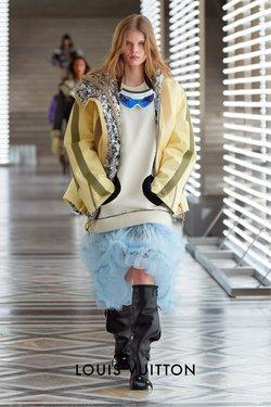 ルイ・ヴィトンのカタログに掲載されているファッション ( あと6日)