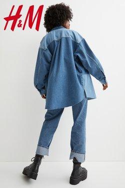 H&Mのカタログに掲載されているファッション ( 昨日に投稿)